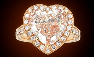 Close-up Image of the Fancy Light Pink Diamond
